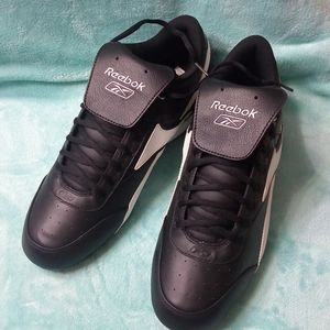 Reebok Shoes - Reebok men shoes with cleats